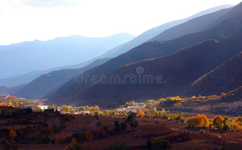 Een klein dorp in de provincie China van Sichuan stock afbeeldingen