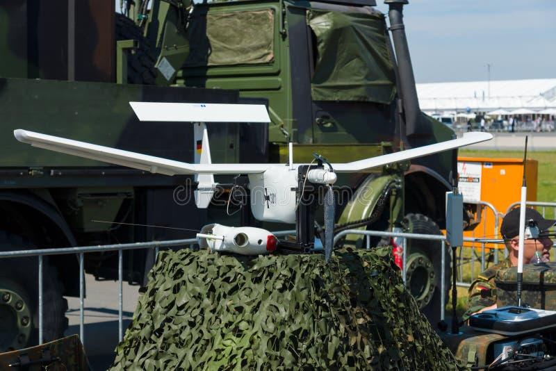 Een klein, man-portable licht verkennings onbemand luchtvoertuig EMT Aladin stock fotografie