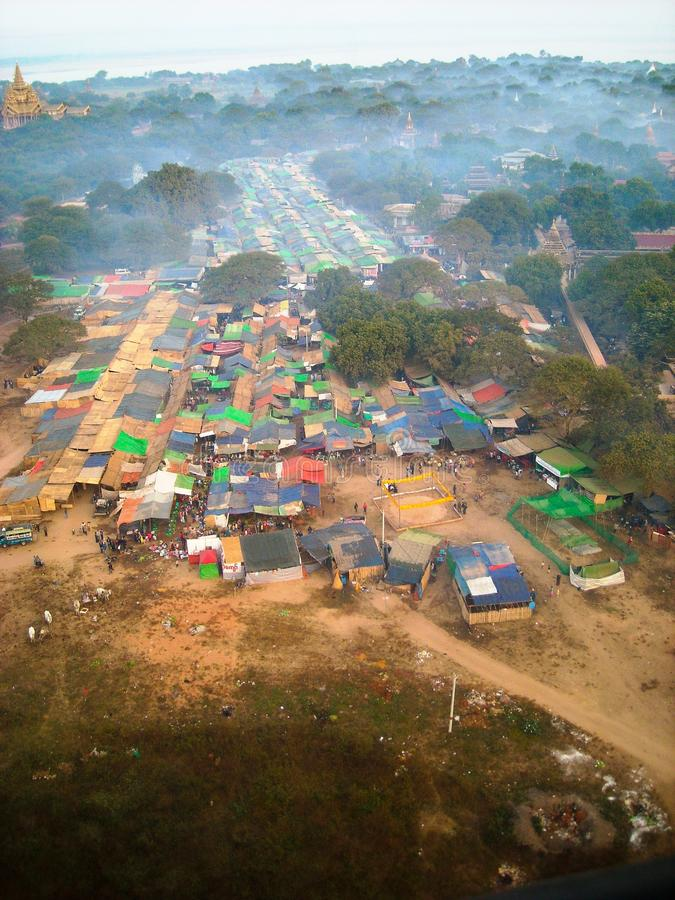 Een kleine stad in Birma stock afbeelding