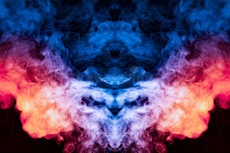Een kleurrijke tekening van fijne kunst die uitgeademde wervelende die rook gebruiken in blauw, rood, sinaasappel en purple wordt stock fotografie