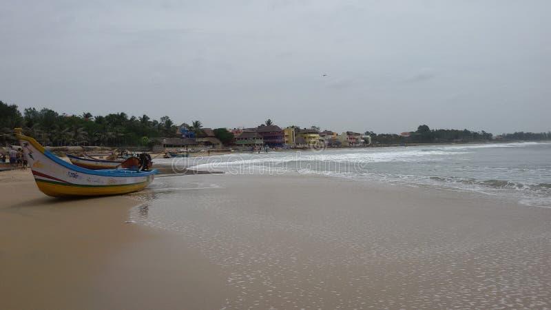 Een koel zandig strand stock foto's