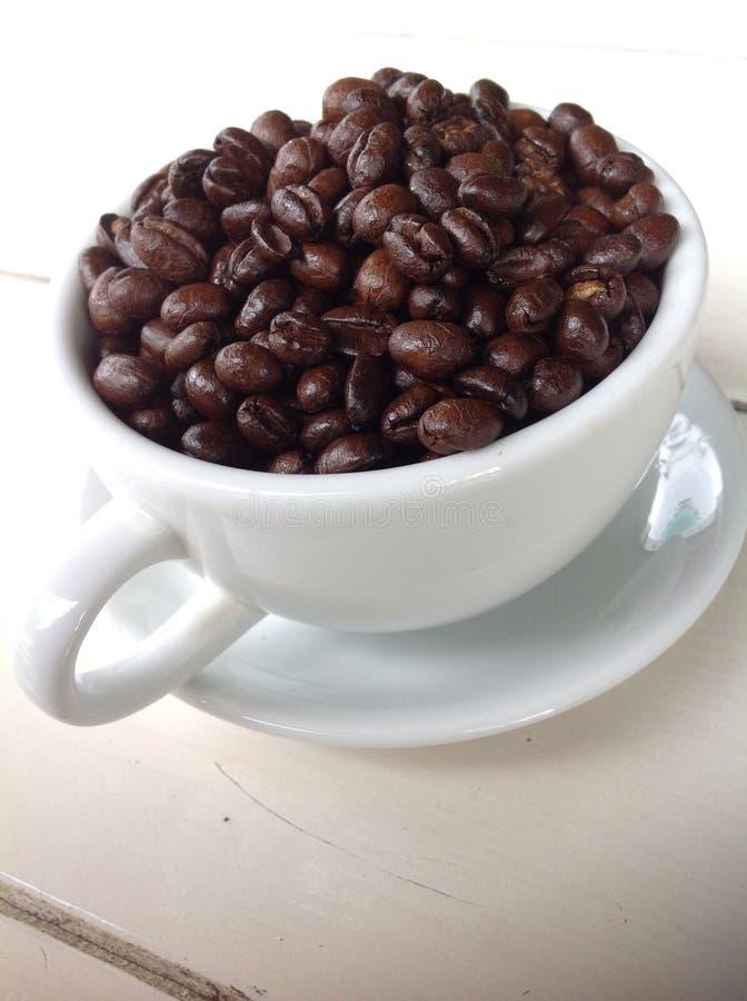Een kop van geroosterde koffie royalty-vrije stock afbeelding