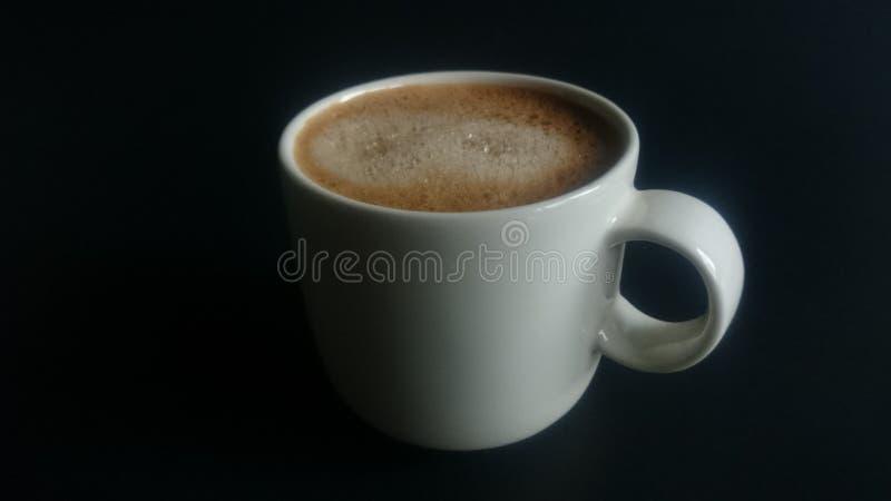 Een kop van hete cappuccino stock fotografie