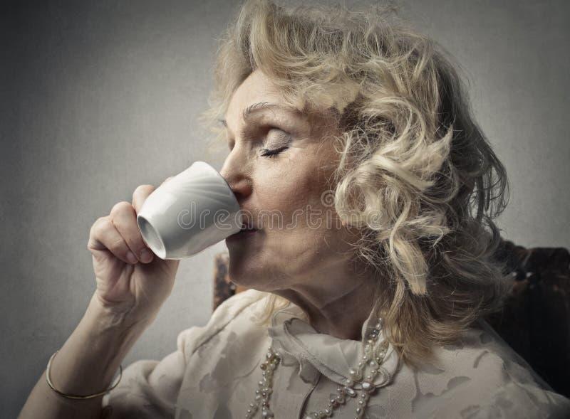 Een kop van hete thee stock foto