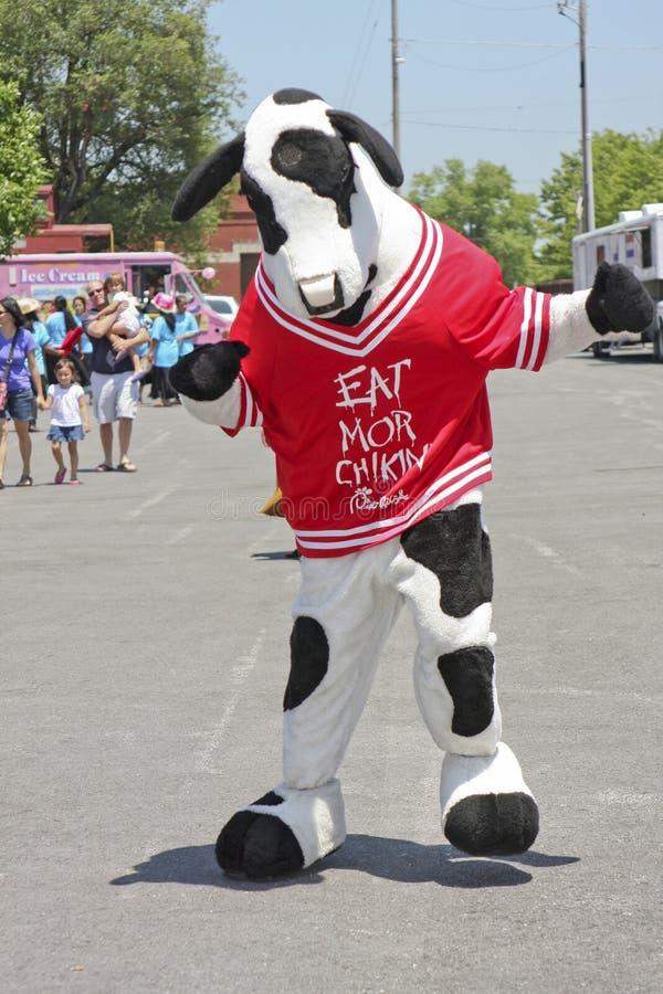 Een kuiken-fil-koe die bij festival dansen royalty-vrije stock foto's