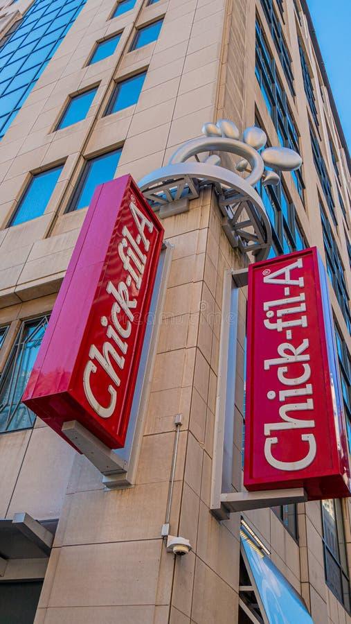 Een kuiken-fil-snel voedselrestaurant in Chicago - CHICAGO, de V.S. - 12 JUNI, 2019 royalty-vrije stock fotografie