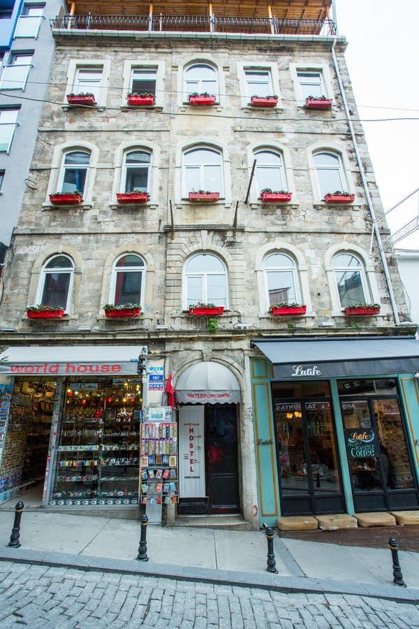 Een lang gebouw in Istanboel stock foto's