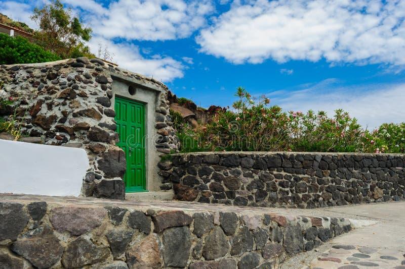 Een lokaal huis, Alicudi-eiland, Italië royalty-vrije stock afbeelding