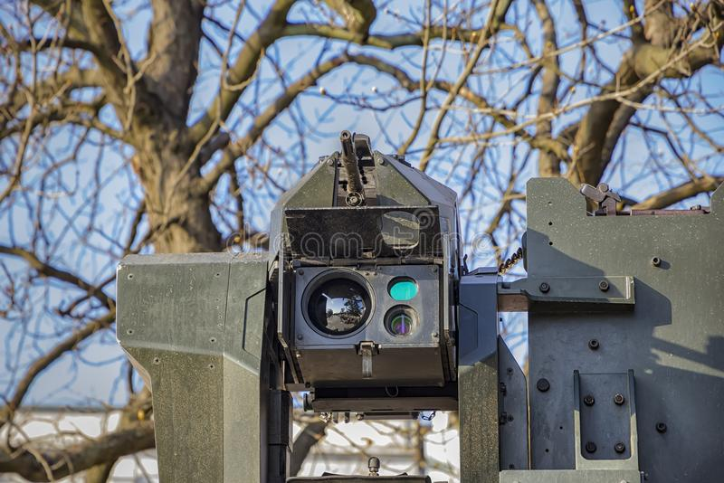 Een machinegeweer met camera en sensoren stock fotografie