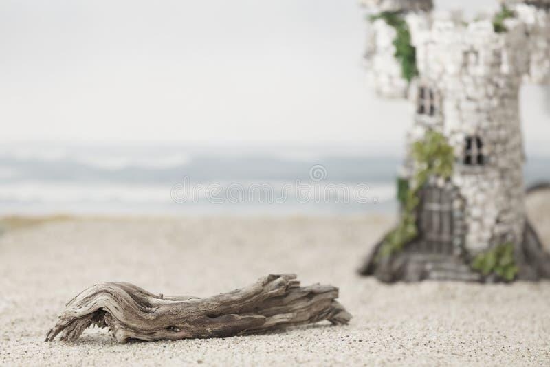 Een magisch kasteel bij het strand royalty-vrije stock fotografie