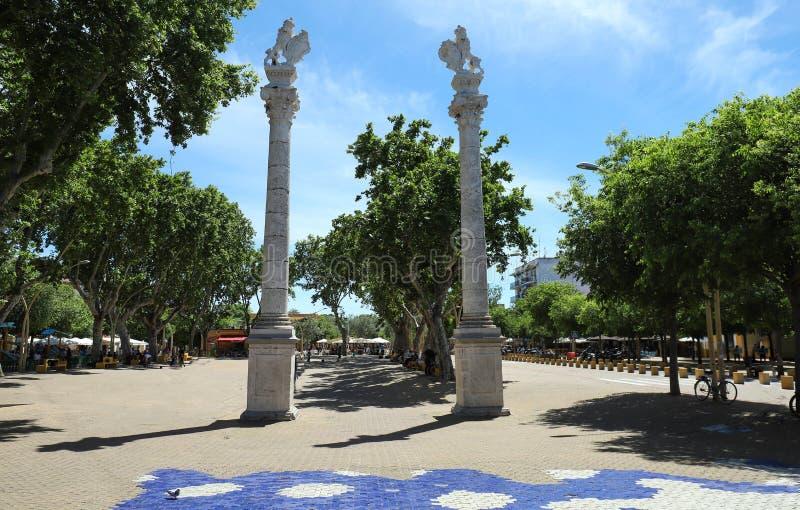Een mening van Alameda DE Hercules, in Sevilla, Spanje stock afbeelding
