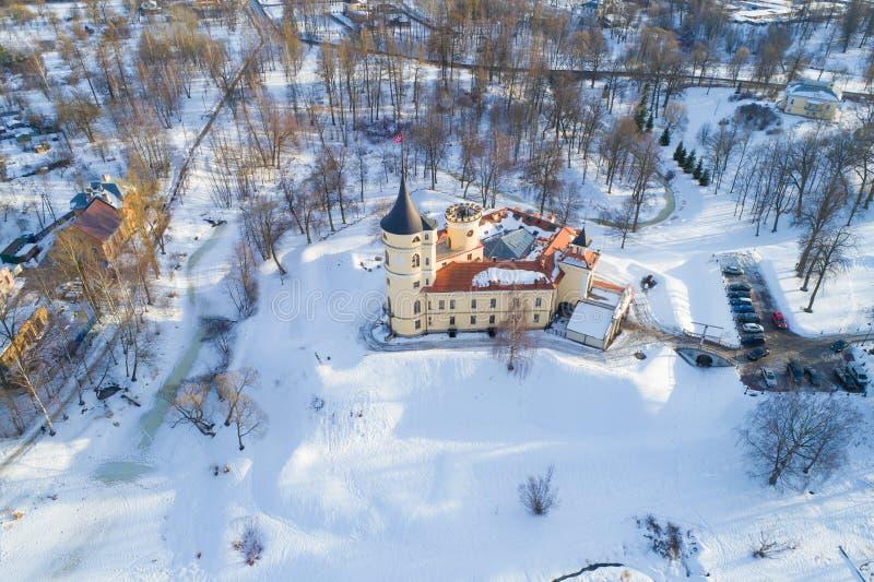 Een mening van de hoogte van het oude Bip-Kasteel, Februari-dag luchtonderzoek, Heilige Petersburg stock fotografie
