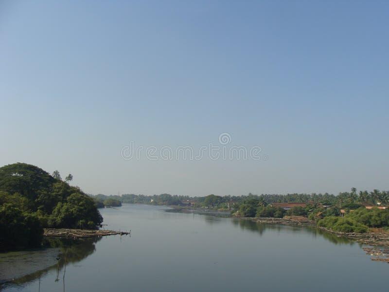 Een mening van de rivier royalty-vrije stock afbeelding