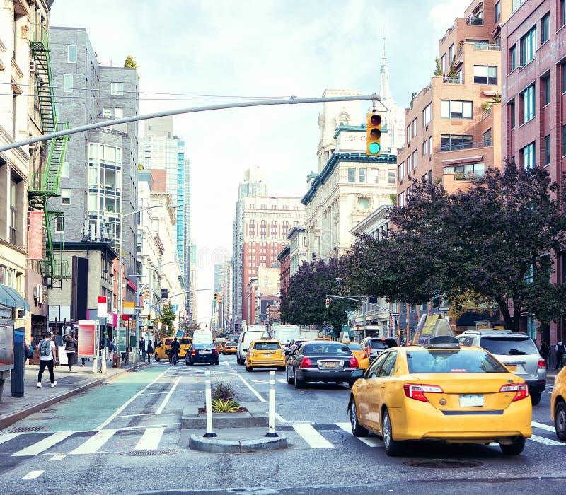 Een mening van van de wegdames ` van Manhattan ` s de Mijl Historisch District, de Stad van New York, Verenigde Staten stock afbeeldingen