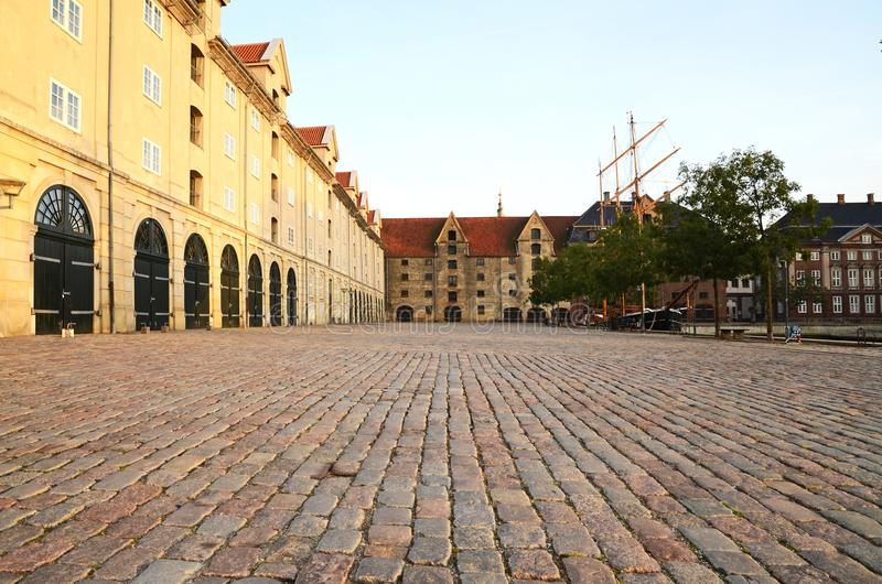 Een mening van Eigtveds-pakhus in Christianshavn, Kopenhagen, Denemarken stock fotografie