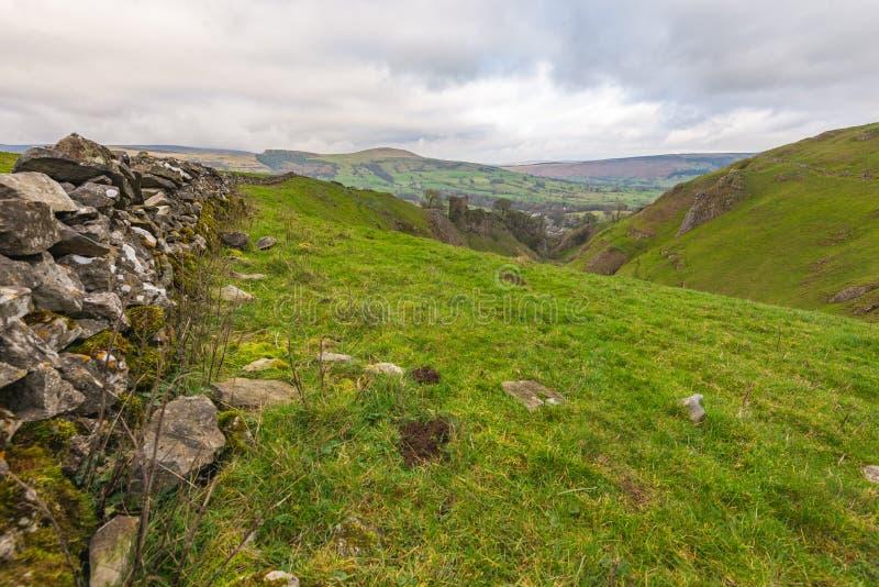 Een mening van het Piekdistricts nationale park Castleton in Derbyshire, het UK stock fotografie