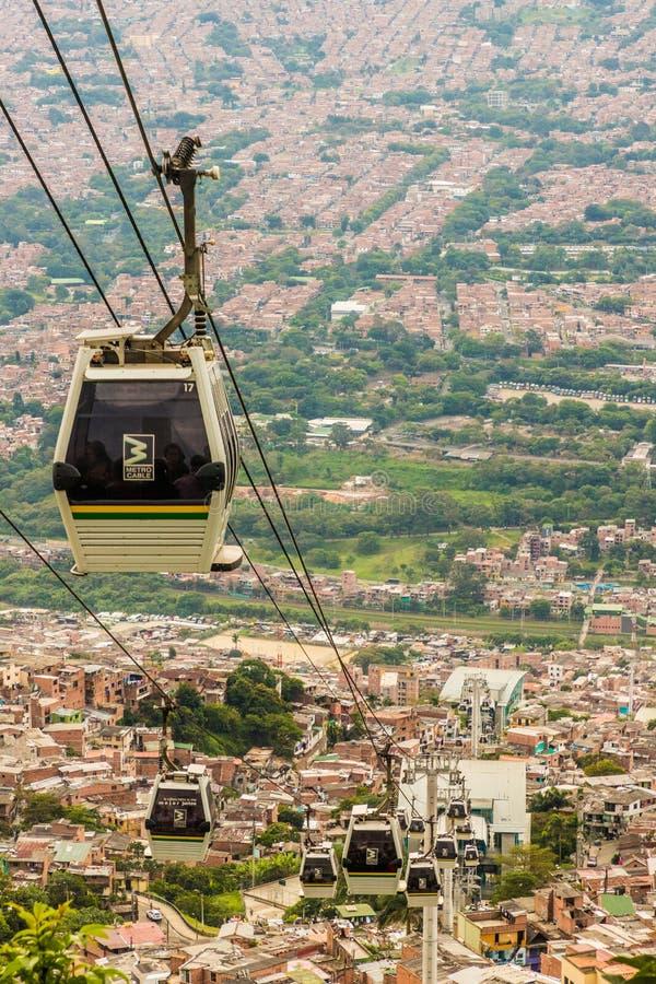 Een mening van hoogte omhoog over Medellin Colombia stock afbeelding