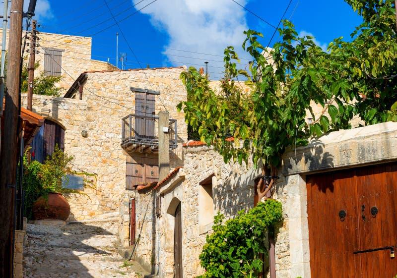 Een mening van straat in Lofou-dorp Limassol District cyprus stock foto's
