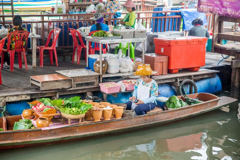 Een mening van Talingchan-het Drijven Markt in Bangkok, Thailand stock fotografie