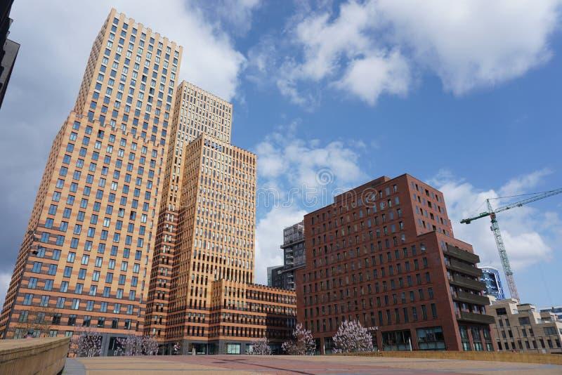 Een mening van Zuidas in Amsterdam, Nederland royalty-vrije stock foto's