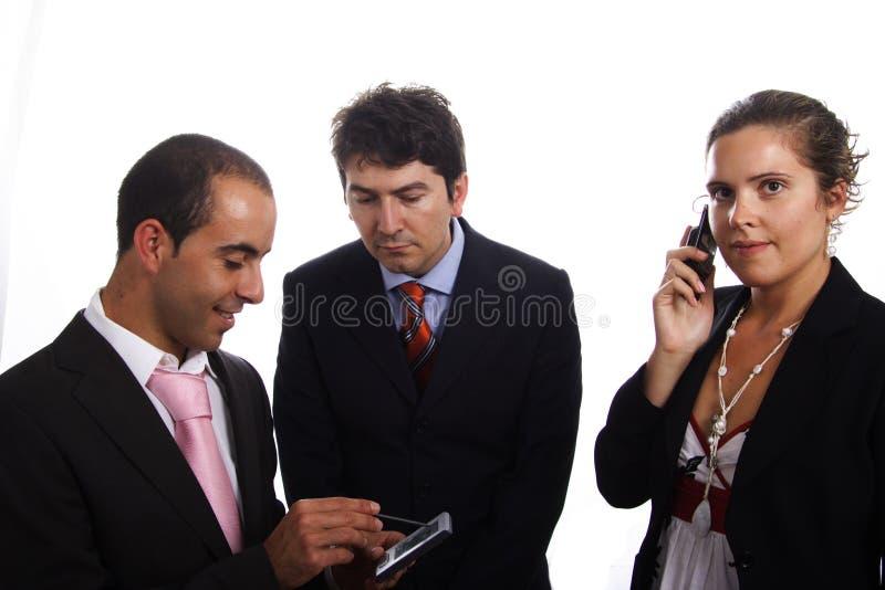 Een mens die een PDA houdt stock afbeelding