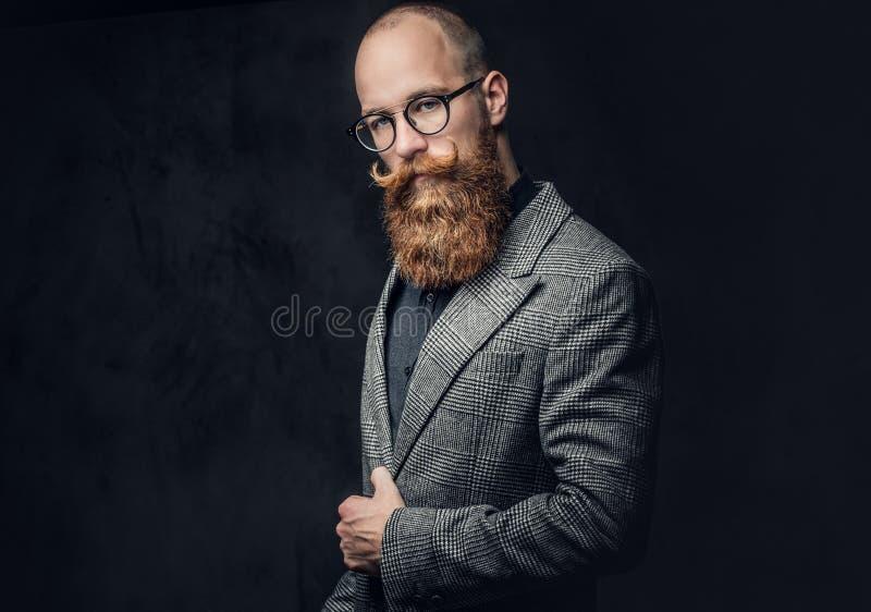 Een mens kleedde zich in een kostuum stock foto's
