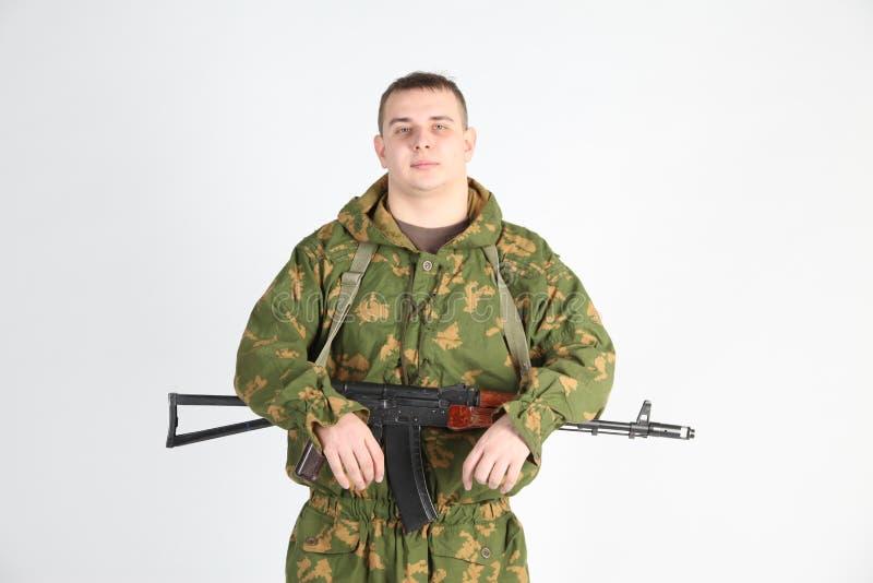 Een militair met kanon royalty-vrije stock foto's