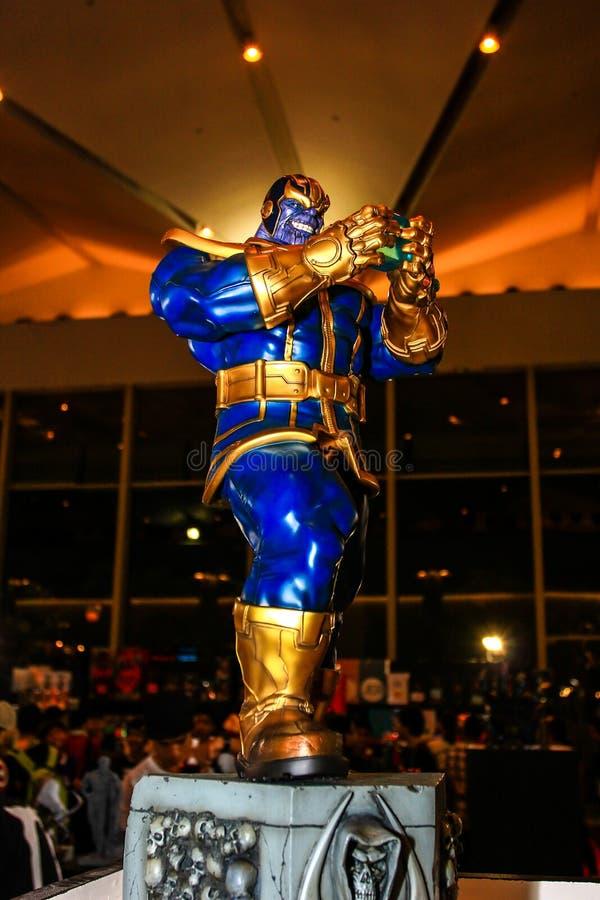 Download Een Model Van Het Karakter Thanos Van De Films En De Strippagina Redactionele Stock Foto - Afbeelding bestaande uit beschermers, karakter: 54075528