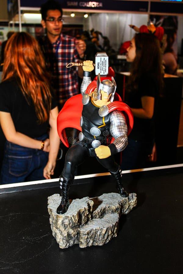 Download Een Model Van Het Karakter Thor Van De Films En De Strippagina Redactionele Foto - Afbeelding bestaande uit plastiek, thailand: 54075116