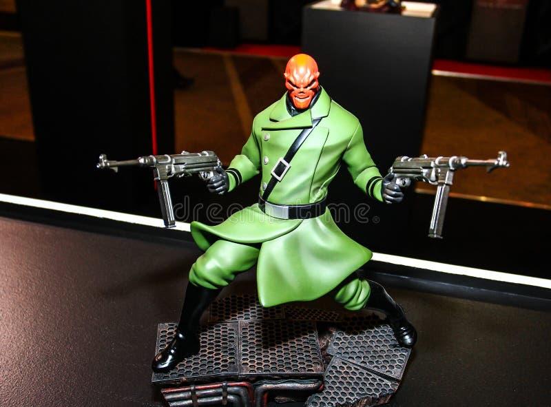Download Een Model Van Het Karakter Van De Films En De Strippagina Redactionele Stock Foto - Afbeelding bestaande uit avengers, wonder: 54075113