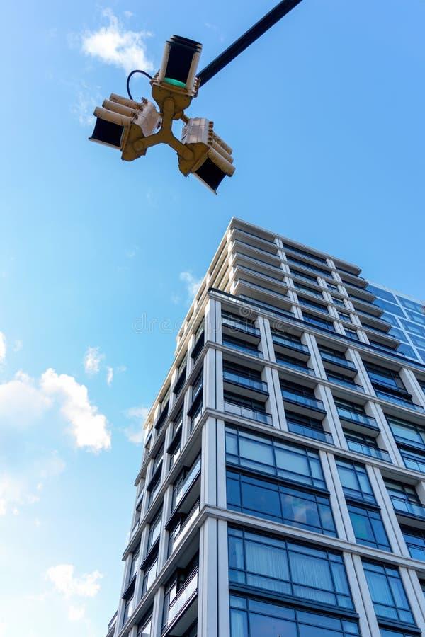 Een modern flatgebouw op Hogere Eastside van Manhattan, de Stad van New York, NY, de V.S. stock fotografie