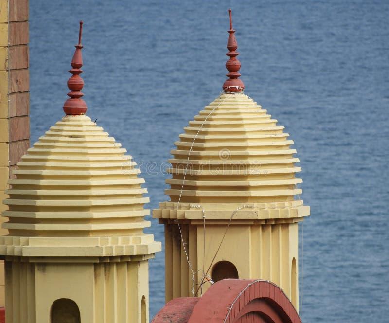 Een mooi behang van de tempeltoren stock foto's