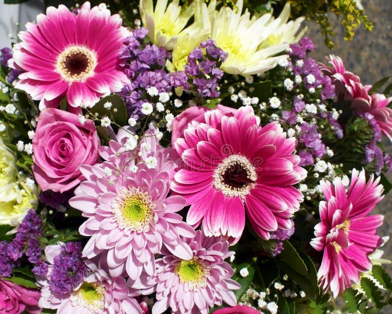 Een mooi bloemenboeket royalty-vrije stock foto's