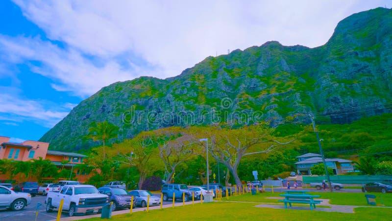 Een mooi groen landschap van een berg op Oahu in Hawaï royalty-vrije stock afbeelding