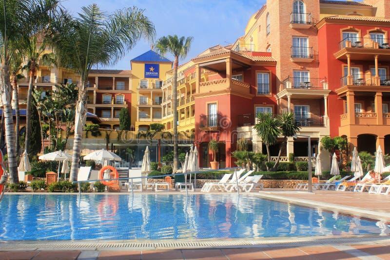 Een mooi hotel bij de kust in Torrox Costa, Spanje stock foto's