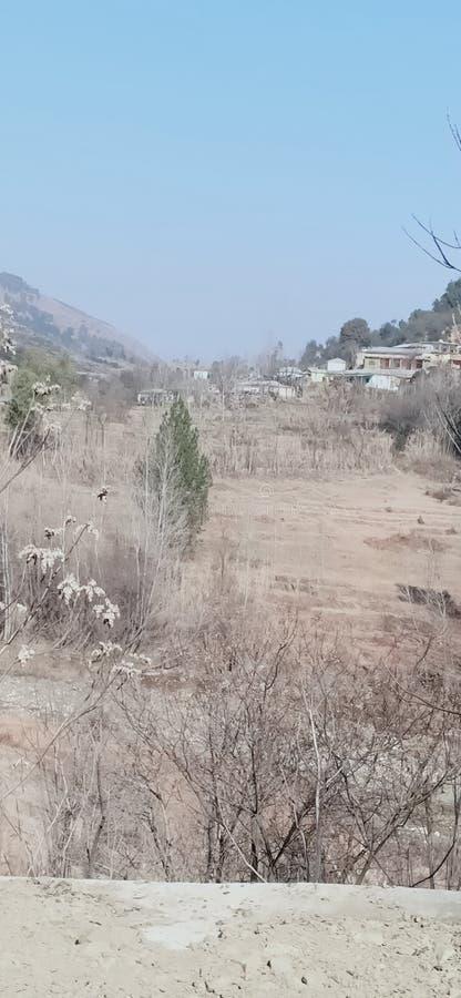 Een mooi uitzicht op het winterseizoen in het noordelijke dorp Abbottabad royalty-vrije stock foto