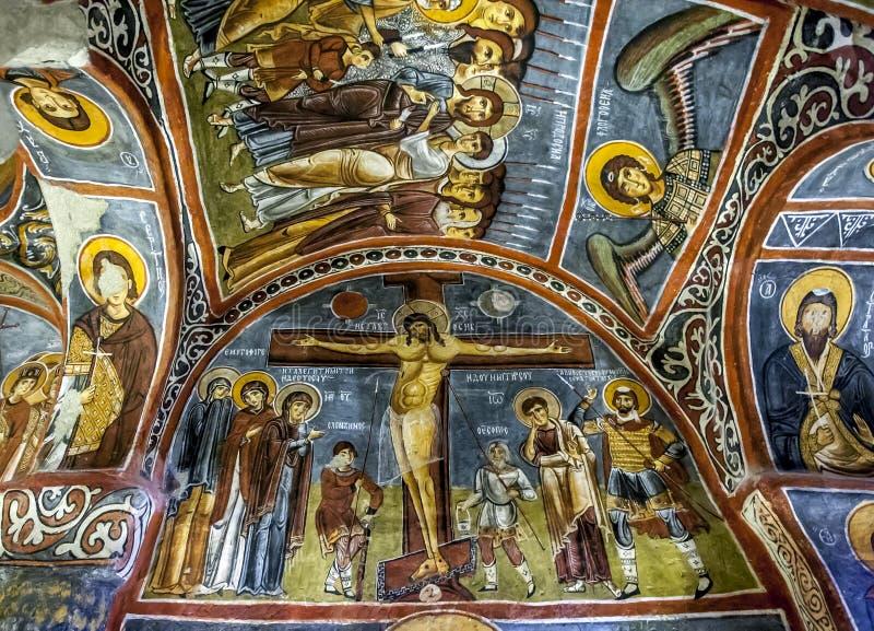 Een mooie fresko die de Kruisiging van Christus tonen bij het Openluchtmuseum in Goreme in Cappadocia in Turkije stock foto