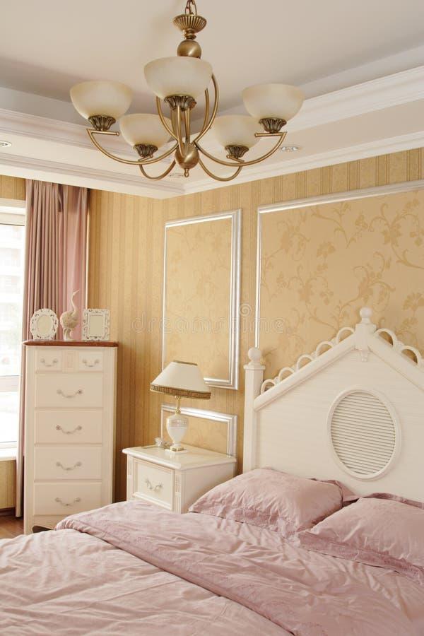 Een mooie slaapkamer stock afbeelding