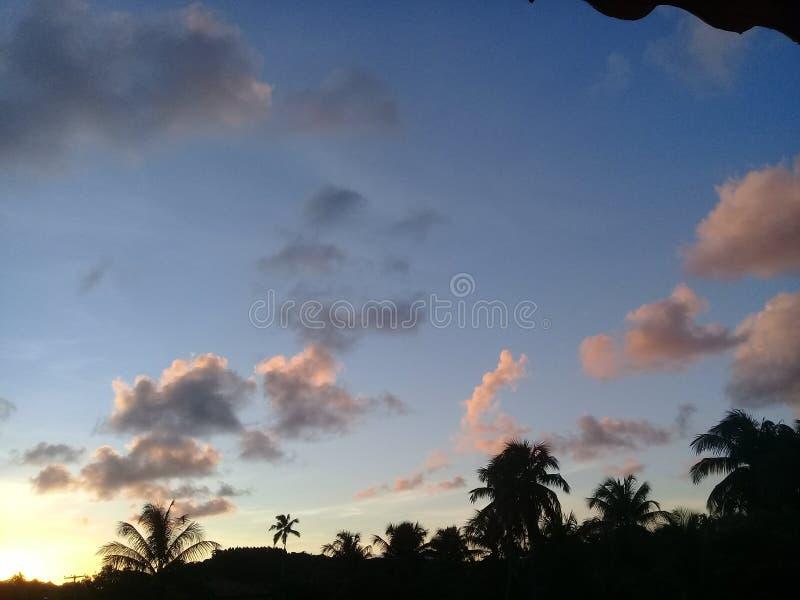 Een mooie zonsondergang en schaduwen royalty-vrije stock afbeeldingen