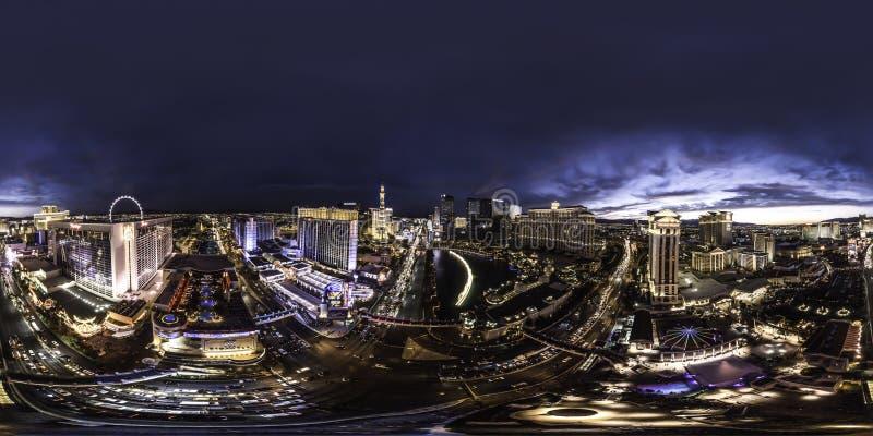 Een nachtmening van Las Vegas van de binnenstad de strook stock foto