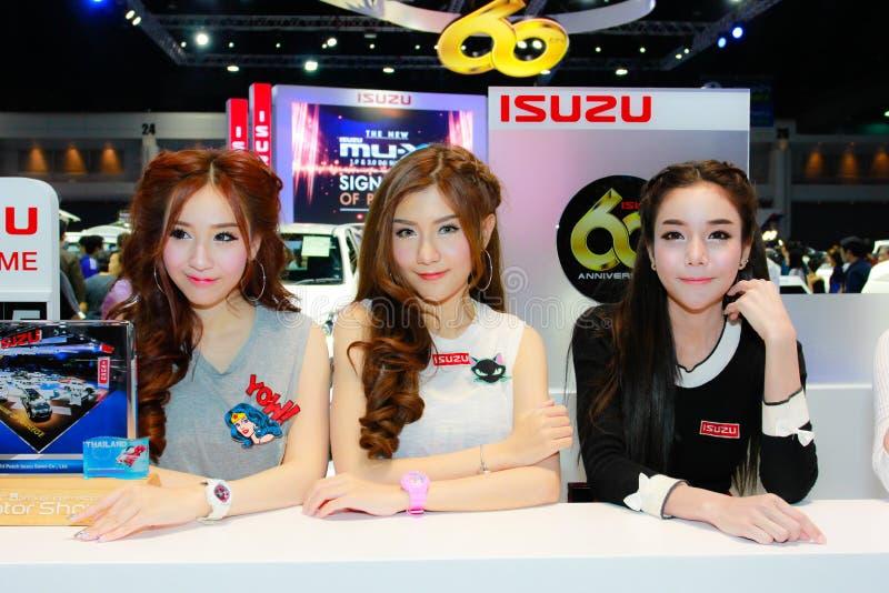 Een Niet geïdentificeerde vrouwelijke presentator stelt in Bangkok Internationale Motorshow 2017 royalty-vrije stock afbeelding