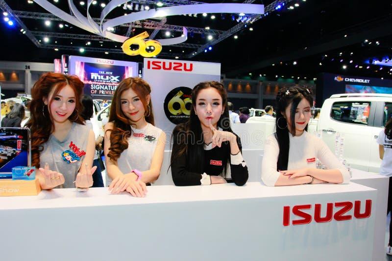 Een Niet geïdentificeerde vrouwelijke presentator stelt in Bangkok Internationale Motorshow 2017 royalty-vrije stock foto