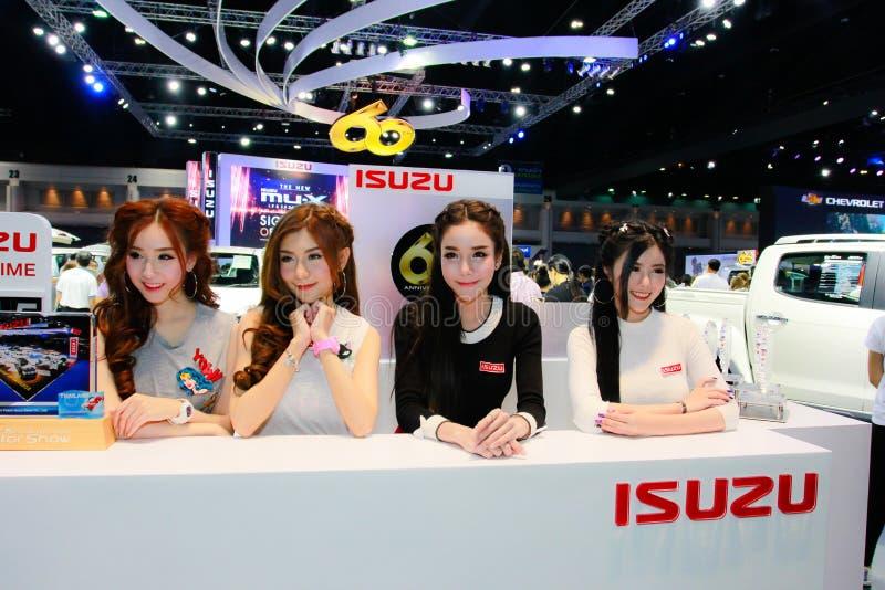 Een Niet geïdentificeerde vrouwelijke presentator stelt in Bangkok Internationale Motorshow 2017 royalty-vrije stock foto's