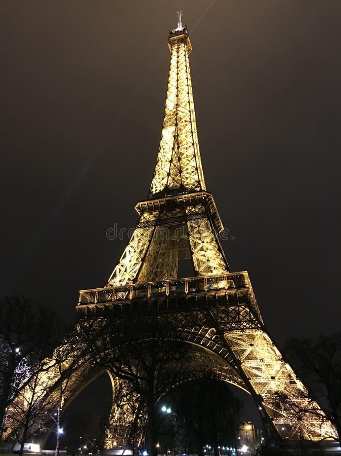 Een onderkantmening van de Toren van Eiffel royalty-vrije stock foto's