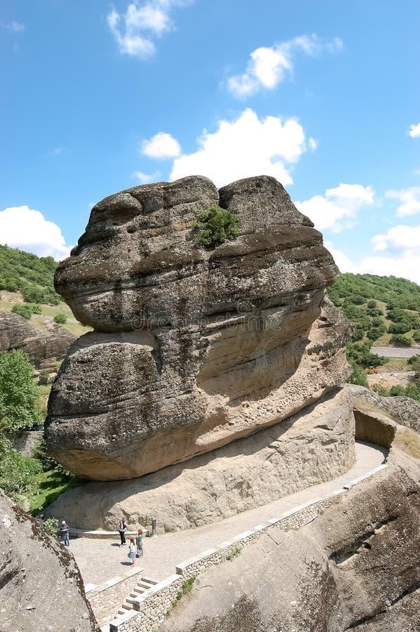 Een ongebruikelijke rots naast klooster van Varlaam, Meteora stock foto's