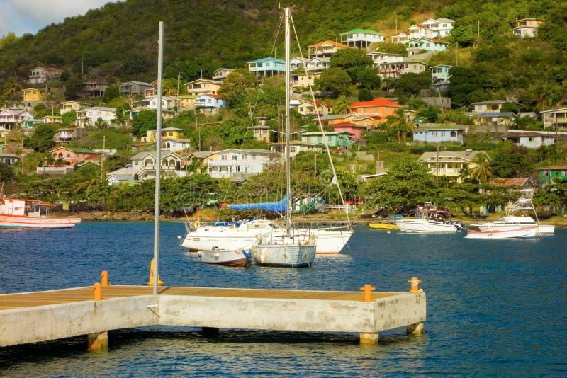 Een onlangs-gebouwd dok bij bequia jachthaven in de grenadines royalty-vrije stock fotografie