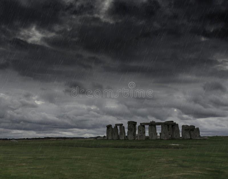 Een onweer over Stonehenge stock afbeelding