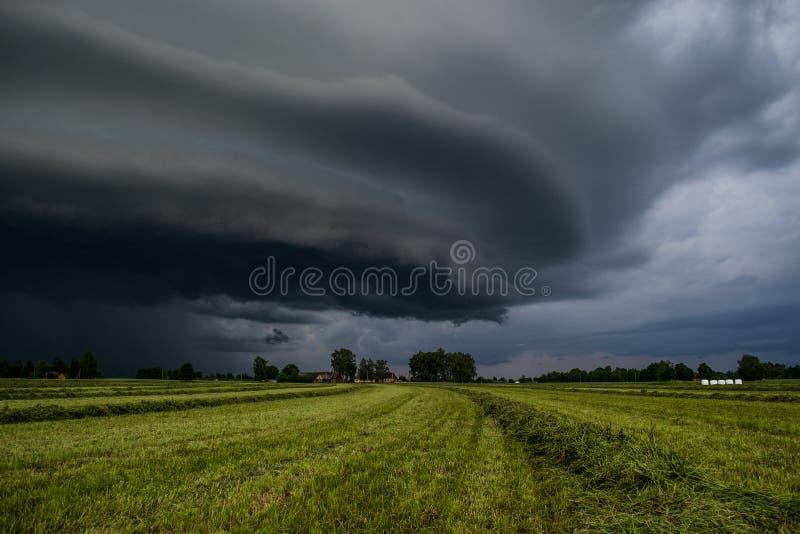 Een onweerswolk stock foto