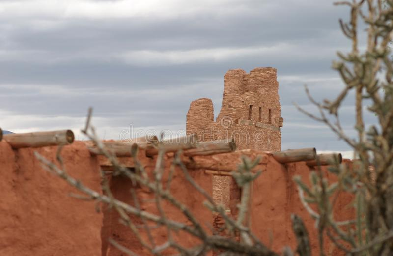 Een Opdracht onder de cactus, Abo Pueblo, New Mexico royalty-vrije stock foto