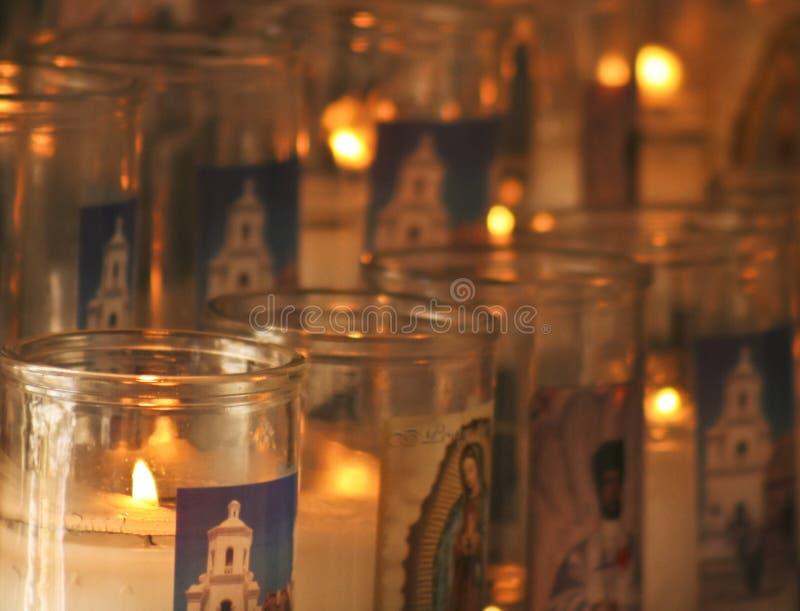 Een Opdracht San Xavier del Bac Prayer Candles Shot stock afbeeldingen